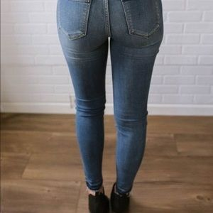 Judy Blue Jeans - Judy Blue Summertime Blues Distressed Skinny Jeans